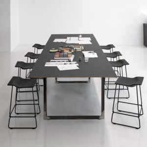 Čtvercové stolové nohy 64x40cm čirým lakem